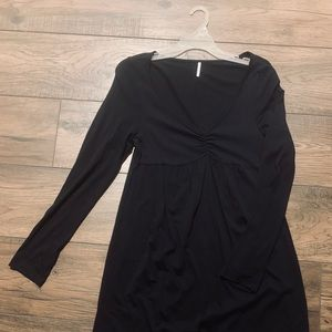 Long sleeve black V-neck cotton dress
